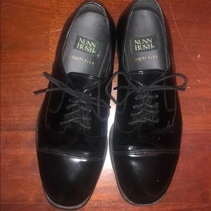 Nunn Bush black dress shoes